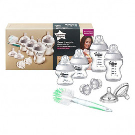 Tommee Tippee Set for a newborn with a bottle brush